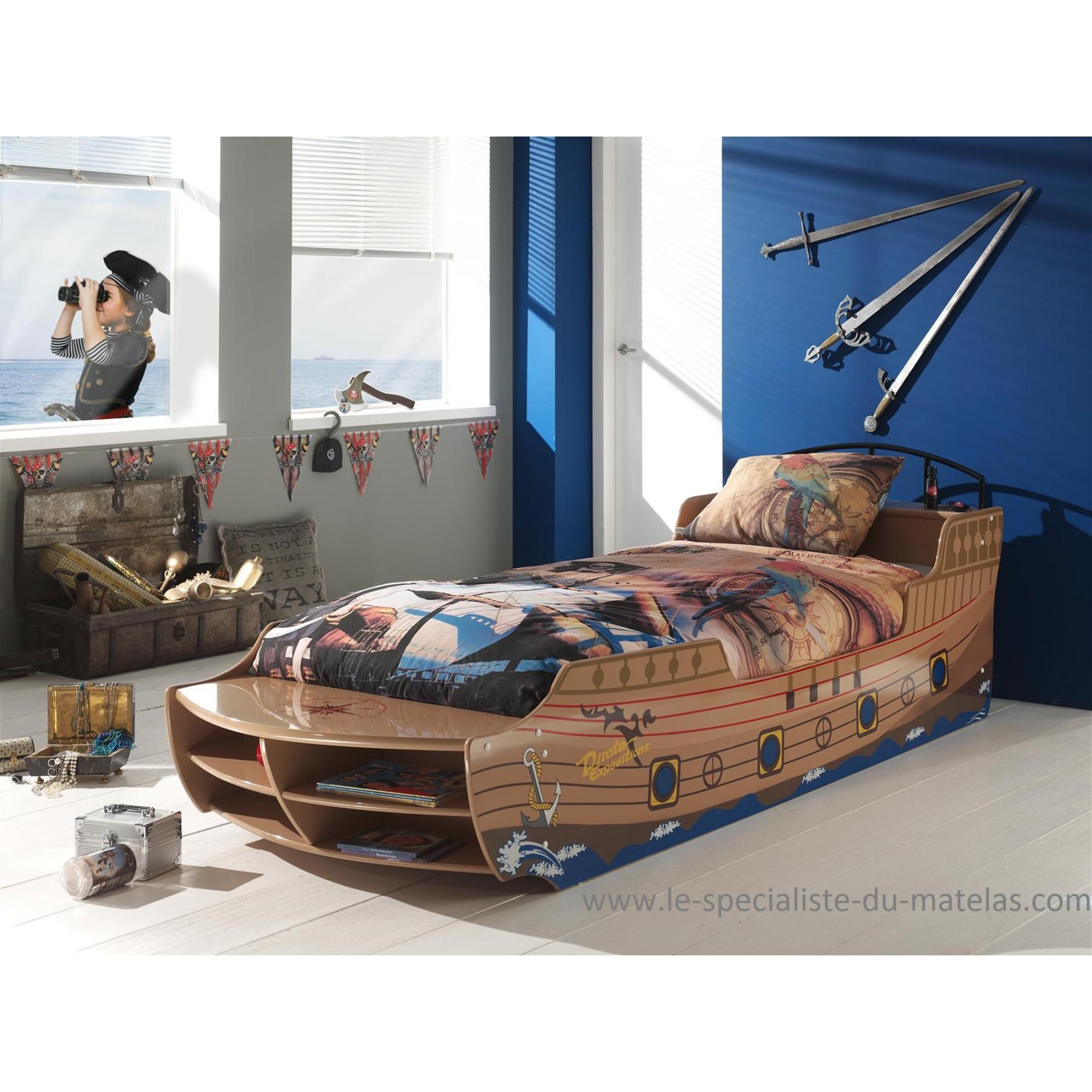 lit bateau pirate enfant