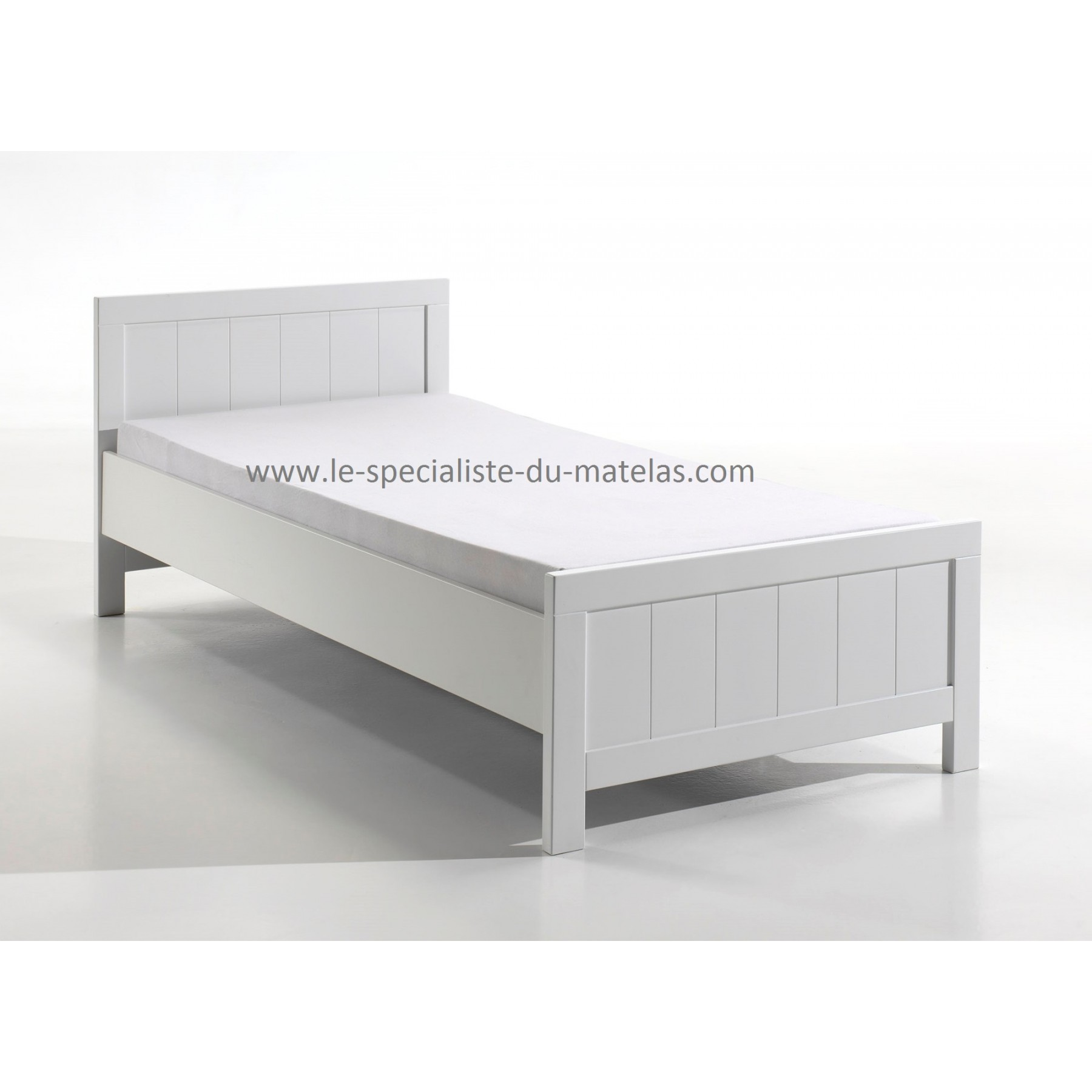 lit enfant laqu blanc en mdf et pin massif. Black Bedroom Furniture Sets. Home Design Ideas