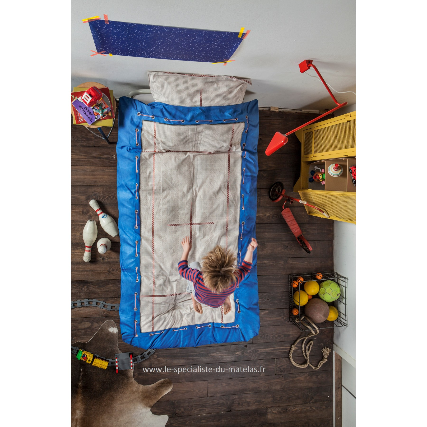 Housse de couette snurk trampoline d couvrir au le for Housse de couette drapeaux anglais